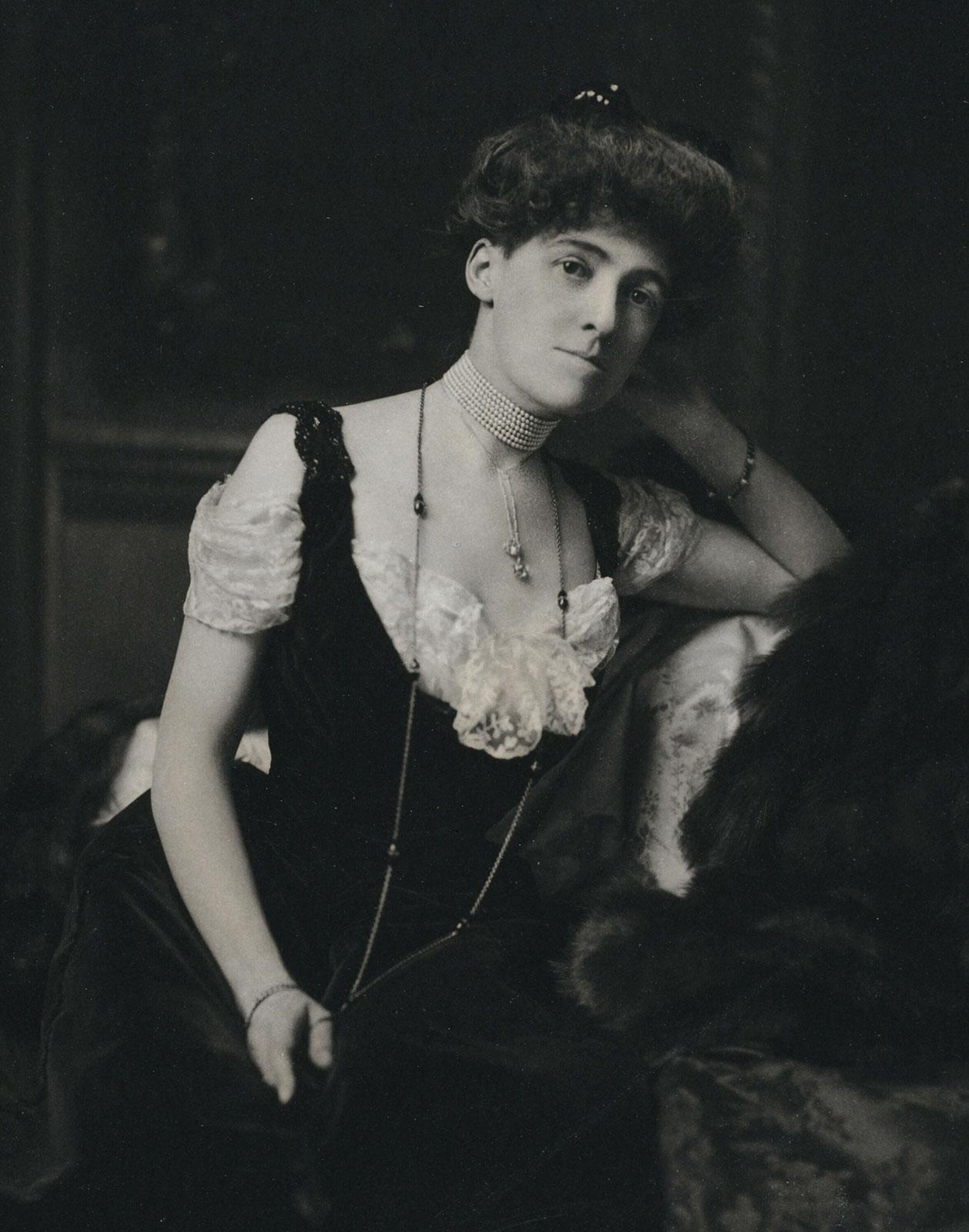 Edith-Wharton-1895